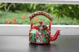 hand-painted-kettle