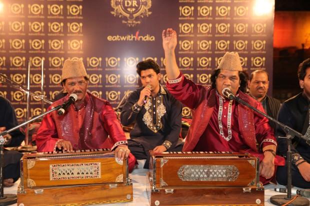 nizami-brothers-performing