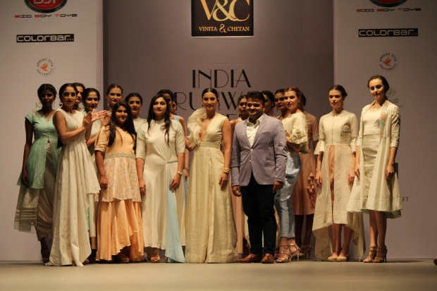 Gauhar Khan walked the ramp