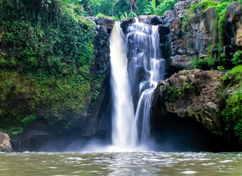 Tegenungan Waterfall instagram worthy places